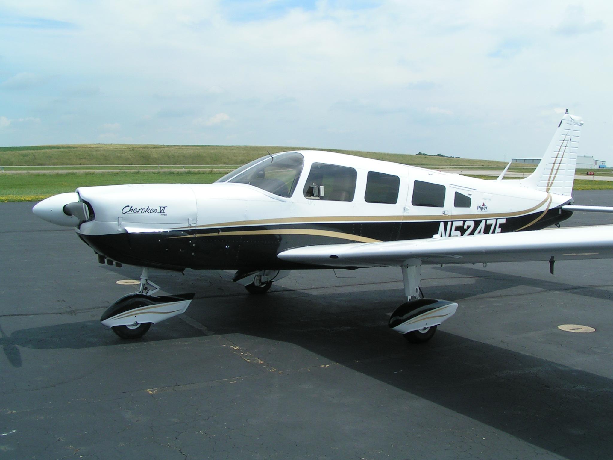 1977 Piper Cherokee 6 300 - Pristine Airplanes - Pristine